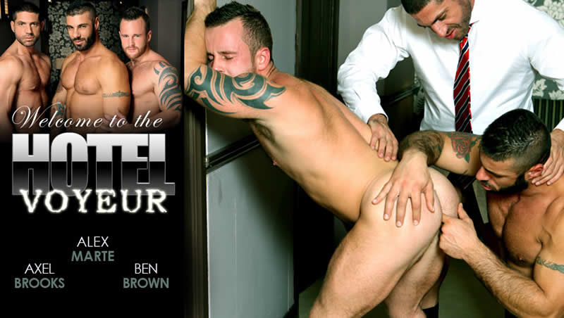 Vídeo Gay Online – Hotel Voyeur: Axel Brooks, Alex Marte & Ben Brown