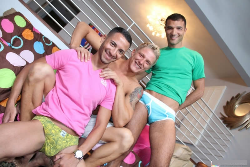 Vídeo Gay Online – Mario Costa, Luke Hass & Phillip Aubrey