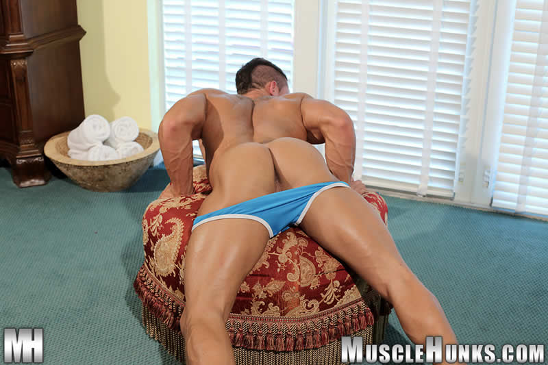 Muscle Hunks – Macho Gostoso: Joey Van Damme