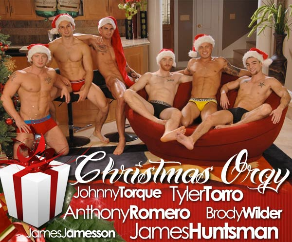 Vídeo Gay Online – Sexo Gay Grupal: Christmas Orgy com Anthony Romero, Brody Wilder, James Huntsman, James Jamesson, Johnny Torque & Tyler Torro