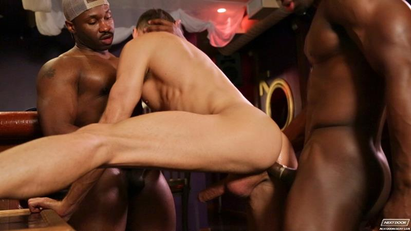 Next Door Ebony – Suruba Gay Interracial: Marc Williams, Brandon Jones & Jay Black