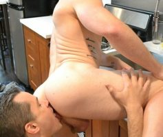 World Of Men – Sexo Gay: Antton Harri & Saxon West