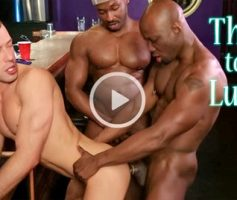Vídeo Gay Download – Suruba Gay Interracial: Marc Williams, Brandon Jones & Jay Black