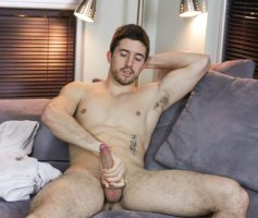 Men Of Montreal – Macho Pelado: Kylian Dall