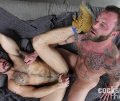 CockSureMen – Sexo Gay: Derek Parker Barebacks Aarin Asker