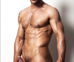 The Male Form – Machos Pauzudos: Dean Monroe, Lee