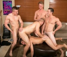 Reality Dudes– Sexo Gay Bareback: A Spit Delight
