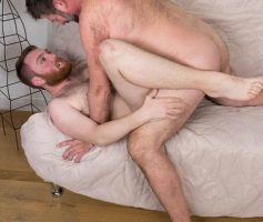Hairy and Raw – Ursos Fodendo: Colt Cox & Chris Mine