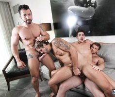 MEN – Sexo Gay Grupal: Connor Maguire, Jack Hunter, Jimmy Durano & Wesley Woods
