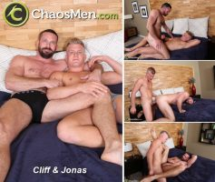 Vídeo Gay Download – Sexo Gay Bareback: Cliff & Jonas