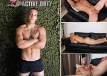 Vídeo Gay Online – Active Duty: Punheta com Scotty Dickenson