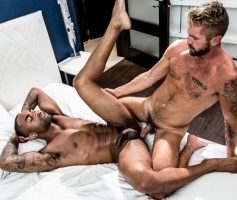 Noir Male – Caught With My Pants Down: Wesley Woods & Remy Cruze – Online